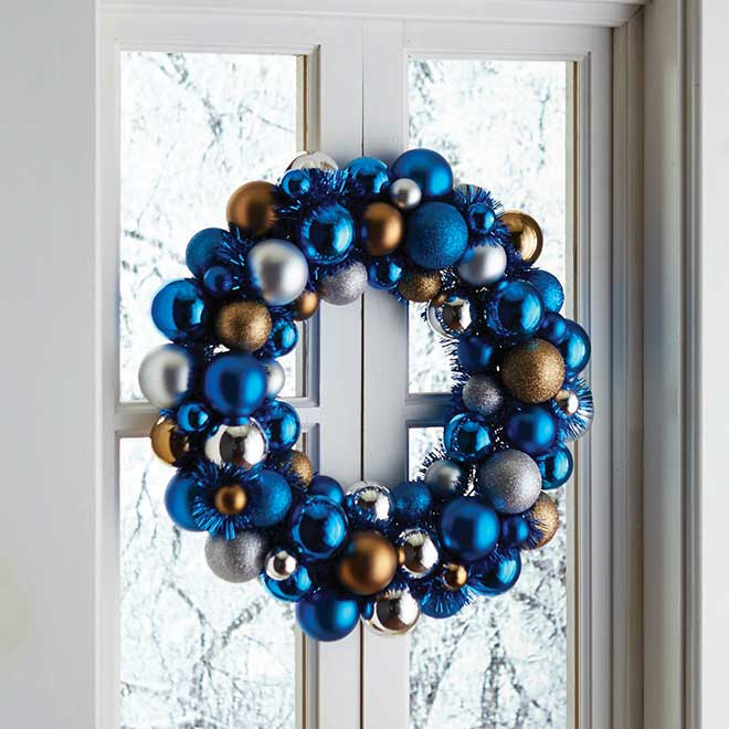 Hanging Exterior Christmas Lights